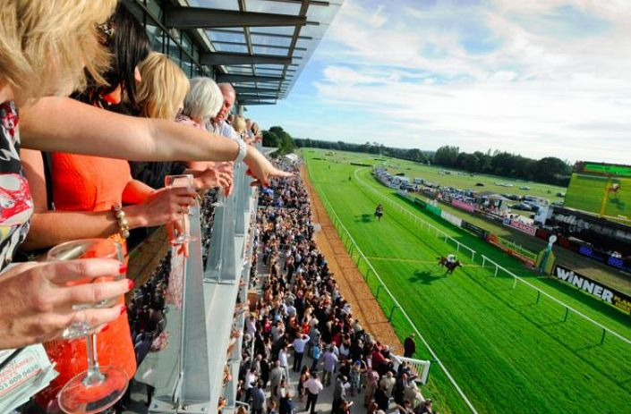 Fontwell Betting Odds and Racecourse Guide