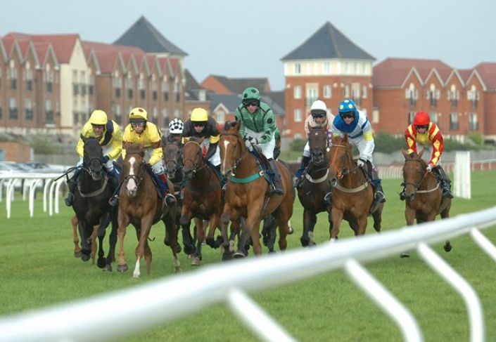 Stratford Betting Odds and Racecourse Guide
