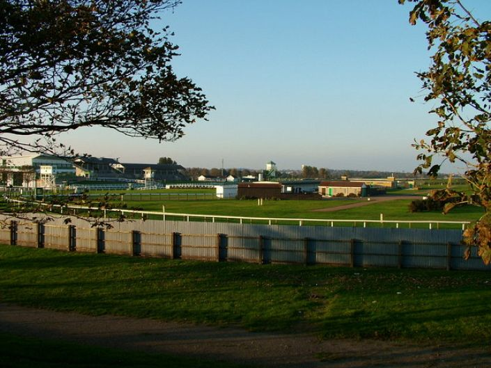 Yarmouth Betting Odds and Racecourse Guide